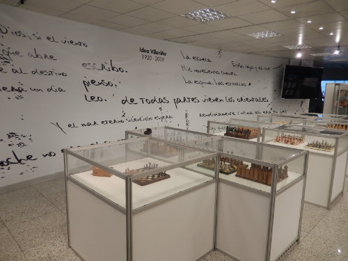 Tableros de ajedrez en la sala Idea Vilariño