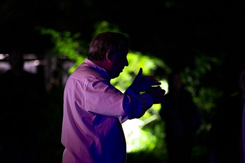 Directore del coro de la (EMVA) durante su espectaculo en la Quinta de Herrera